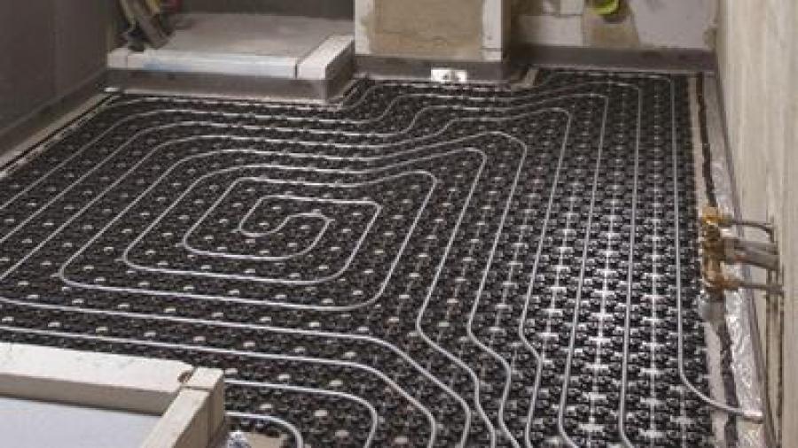 Chytře na rekonstrukce: dodatečná instalace podlahového vytápění – snadno a hravě zvládnutá