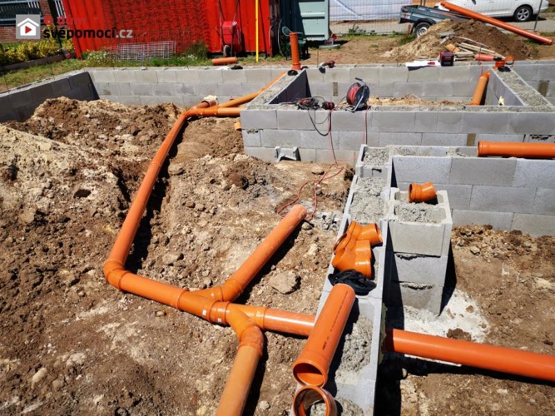 3. stavební týden - Ztracené bednění a rozvody kanalizace