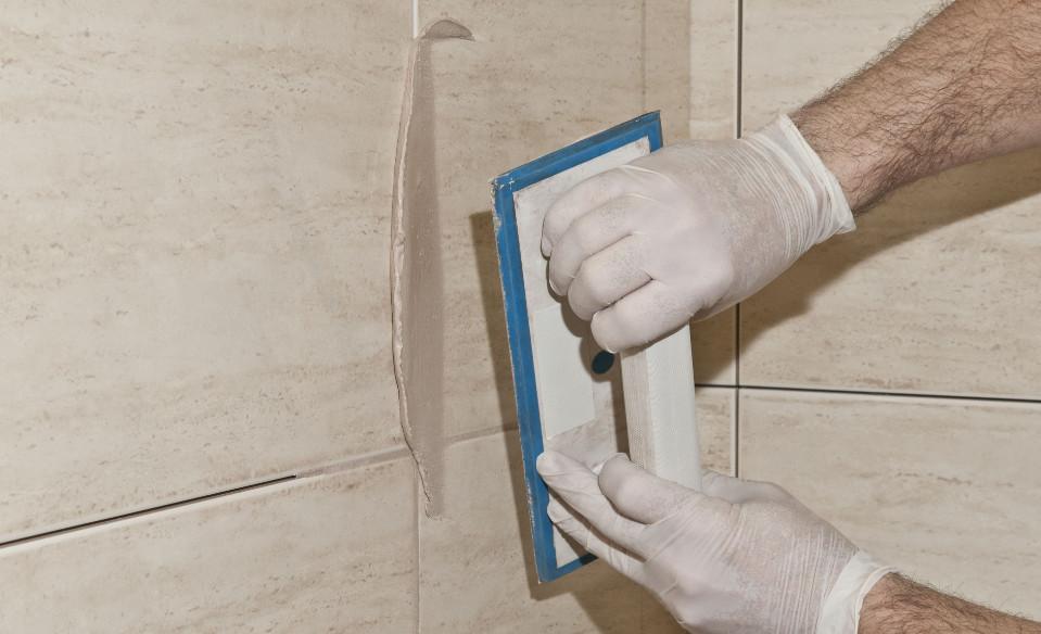 Systémová řešení pro keramické obklady a dlažby