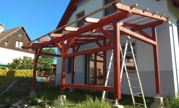 Pergola, domek a zahrada