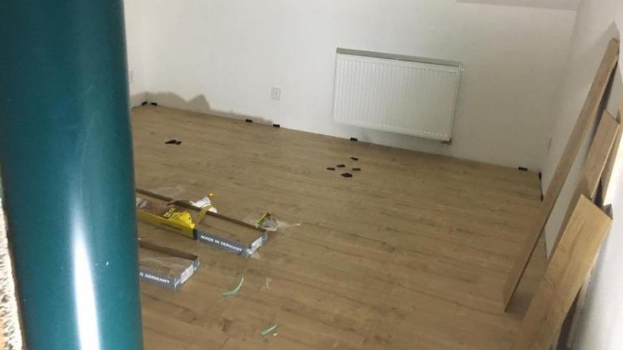 Podlahy, obklady, elektrika