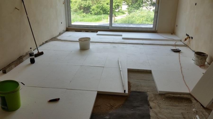 Podlahy, podlahové topení, cementový potěr