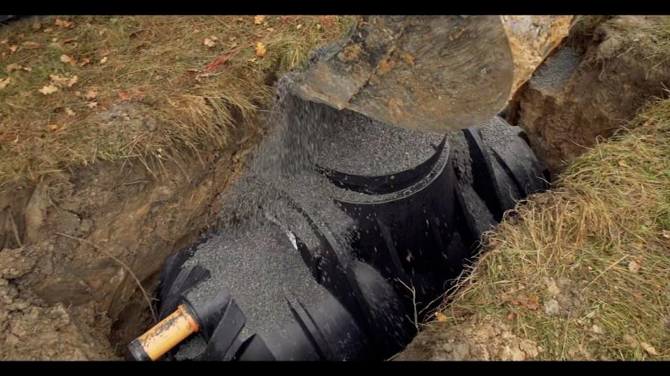 Domácí čistírna odpadních vod STMH jako skládačka pro šikovné kutily. Zvládnete ji sestavit i vy