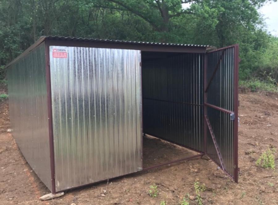 Provizorní plot, instalace stavební boudy část 3.
