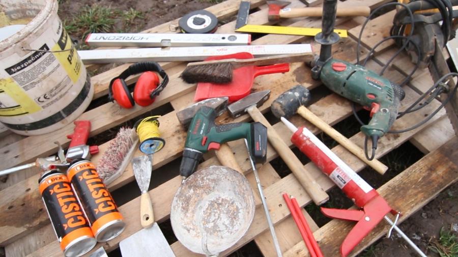 Aktualizováno - VIDEO: Jaké nářadí potřebuji pro stavbu svépomocí?