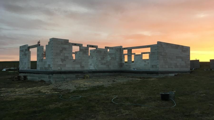 Hrubá stavba - zdění & střecha