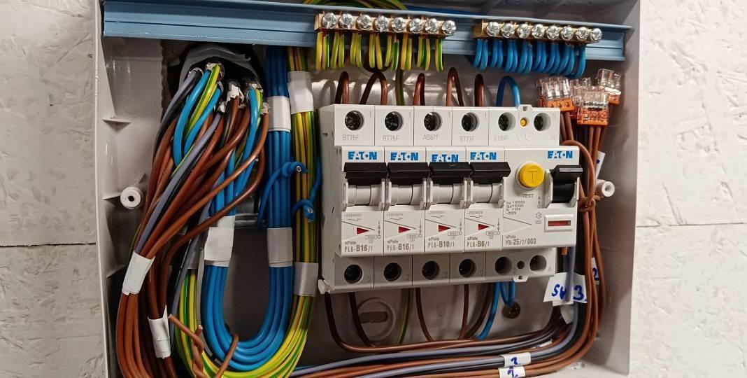 Elektroinstalační materiál pro stavbu domu