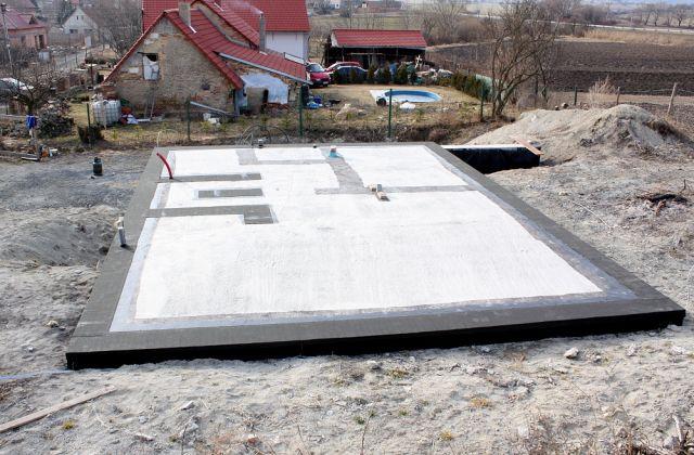 Hydroizolace a založení stavby