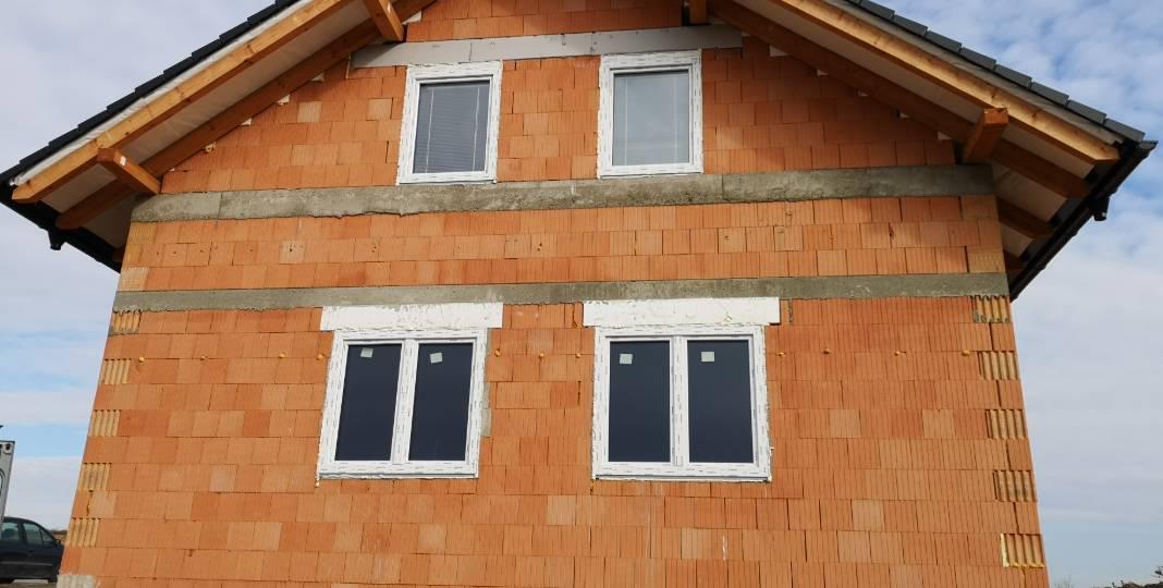 Okna, dveře, vrata
