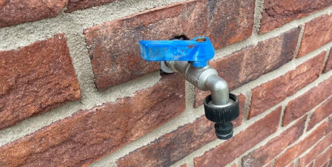 Zahradní ventil - fasáda