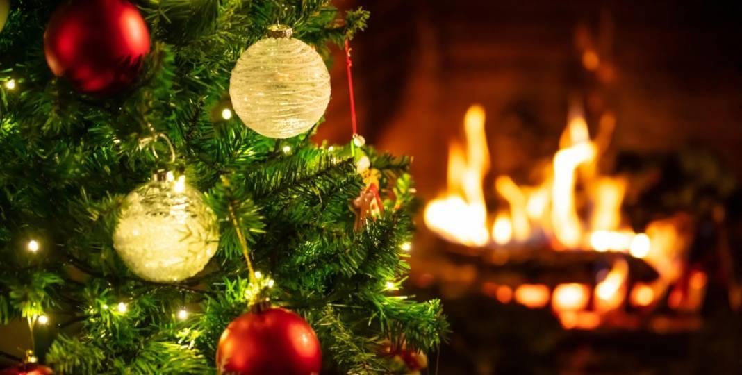 Venkovní vánoční osvětlení. Nevadí mu déšť a napájet jej mohou i baterie.