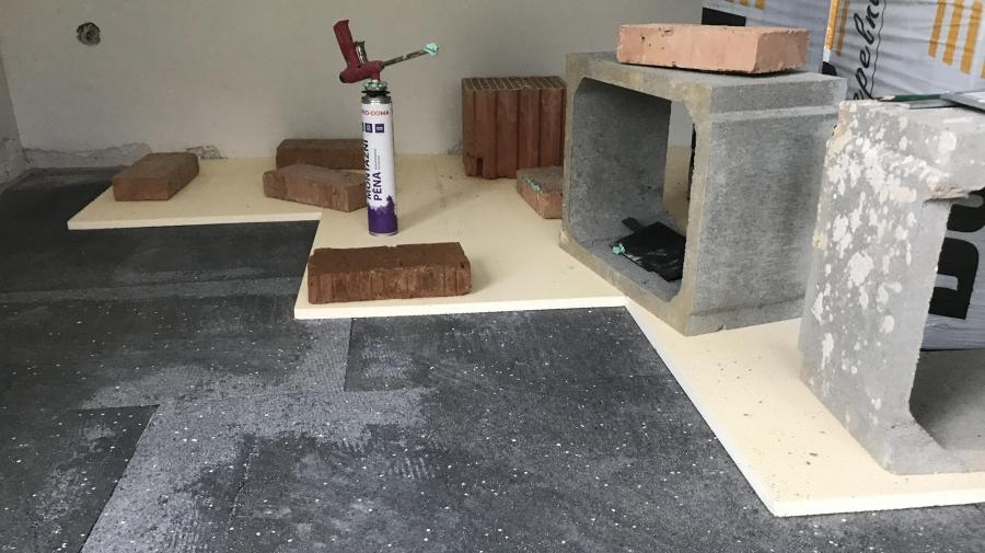 Podlahy - pokládání polystyrenu, podlahovka a betonování - část 22.
