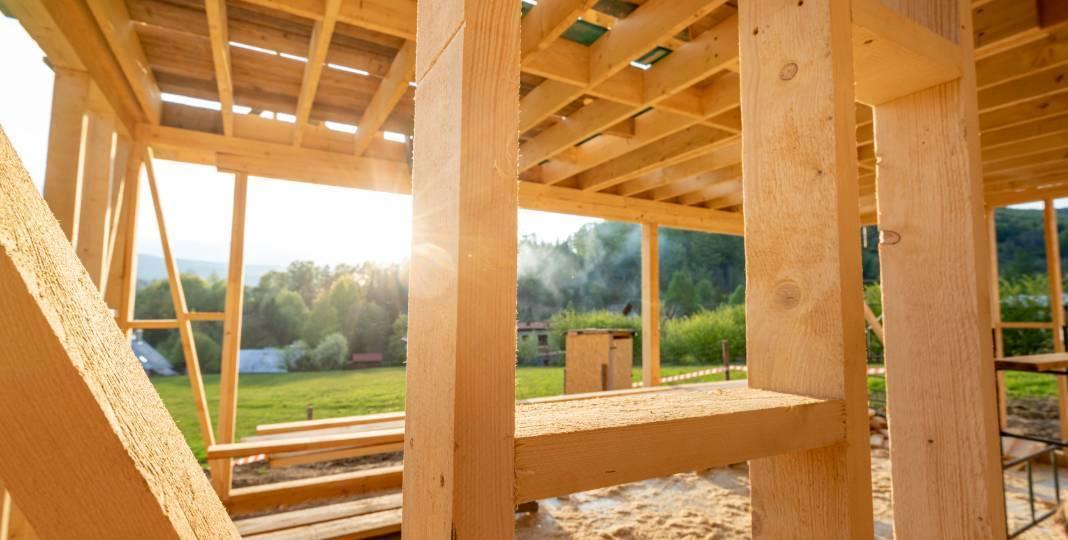 Výška prostoru pod dřevěným domkem 4x7 m
