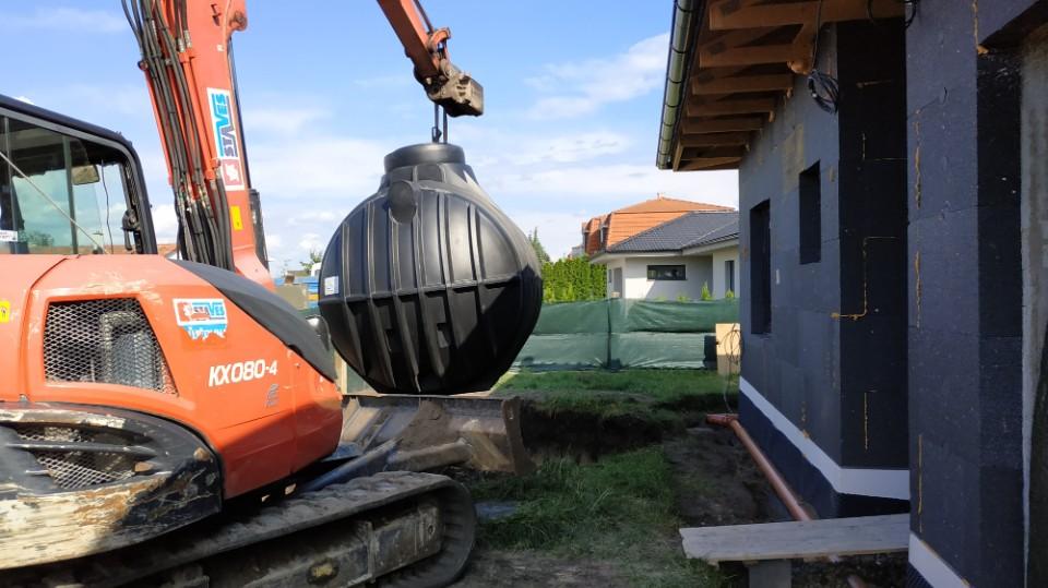 Stavba domu v pandemii - 7. dešťové svody a nádrž
