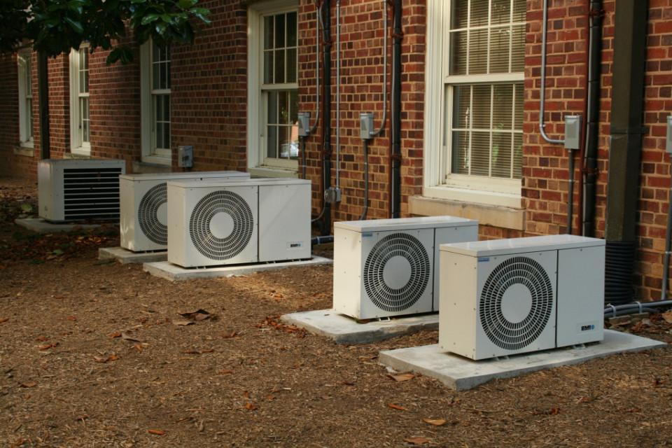 Hluk pří výstavbě rodinného domu - tepelná čerpadla a klimatizace