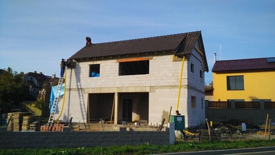 Ohlédnutí za hrubou stavbou, rozpočet a časová náročnost