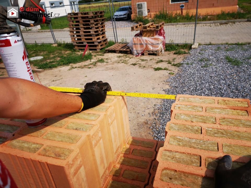 10. stavební týden – zdění obvodového zdiva a parapetů