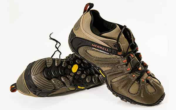 1c86681b things to consider while buying hike shoes swag swami article