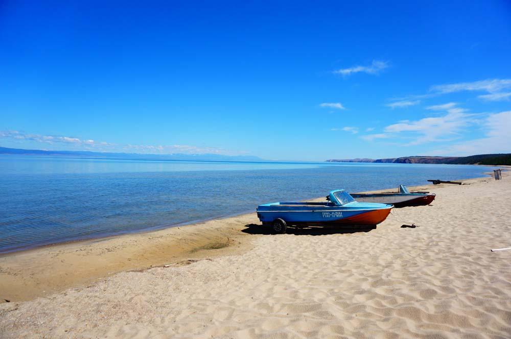 호수인지 바다인지 구분이 안가는 바이칼 호수. 파도 치고 있지만 담수라 마실 수 있다
