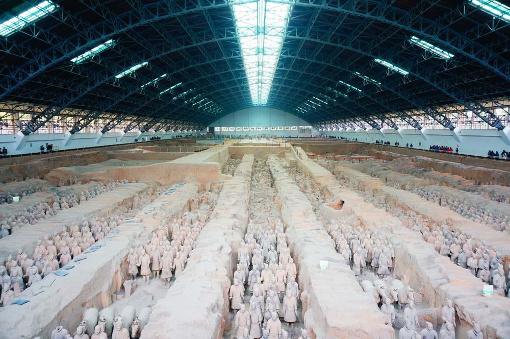 시안은 중국의 역사가 시작된 곳. 진시황의 병마용들.