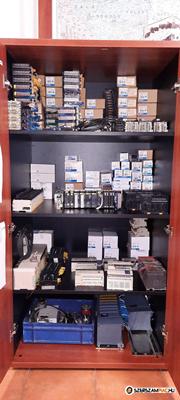 Új és használt PLC-k, HMI-k, tápegységek, modulok és egyéb kiegészítők.