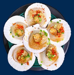 Half Shell Scallop with Garlic & Glass Noodles/蒜蓉粉丝蒸扇贝