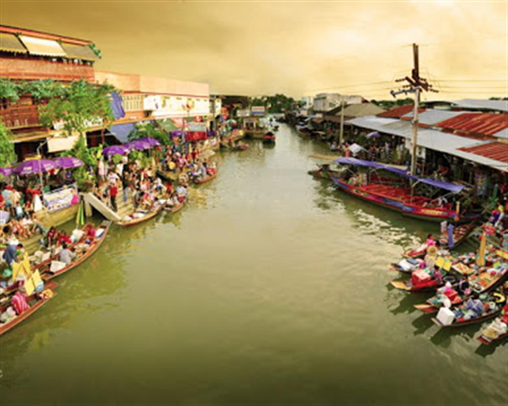 Amphawa Floating Market Tour
