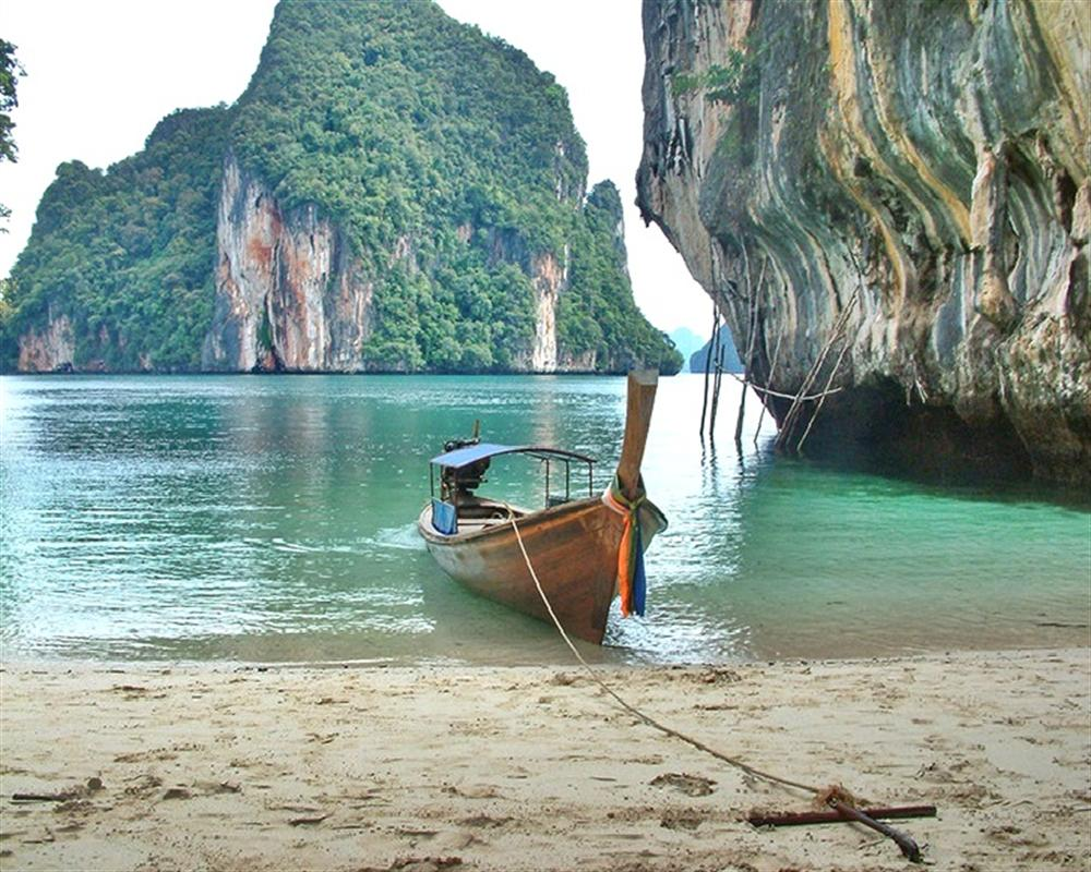 Hong Island Tour (by longtail boat)