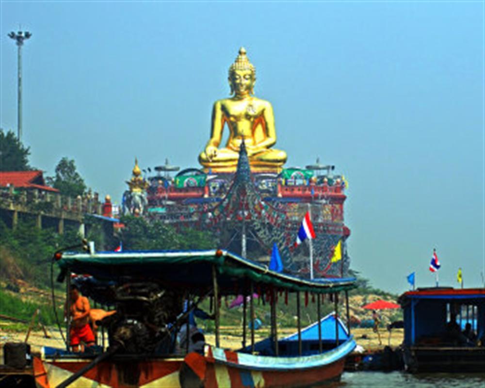 Chiang Saen and Chiang Khong Tour