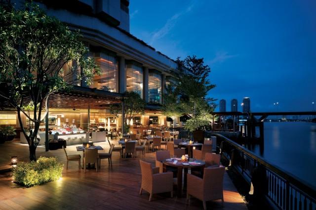 Next2 Cafe at Shangri-La Hotel