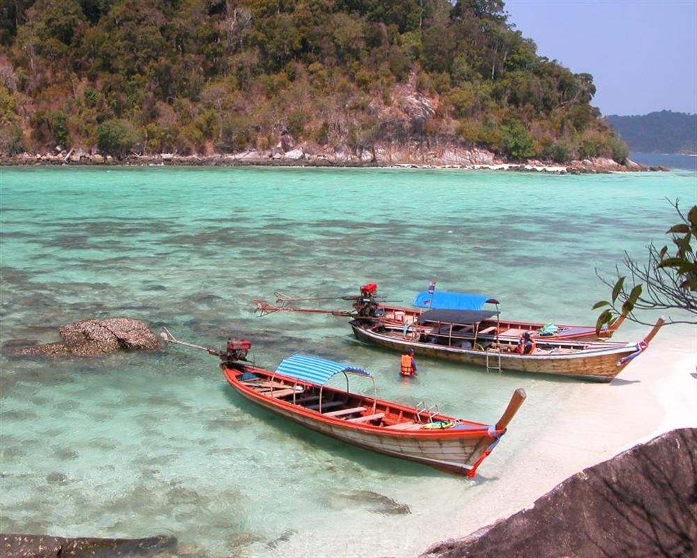One Day Trip Snorkeling  Koh Lipe ( by Long tail Boat )