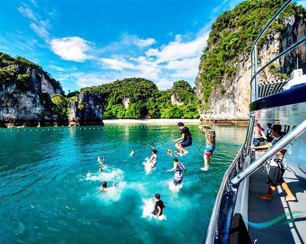 Live Life Andaman Luxury Sunset Cruise