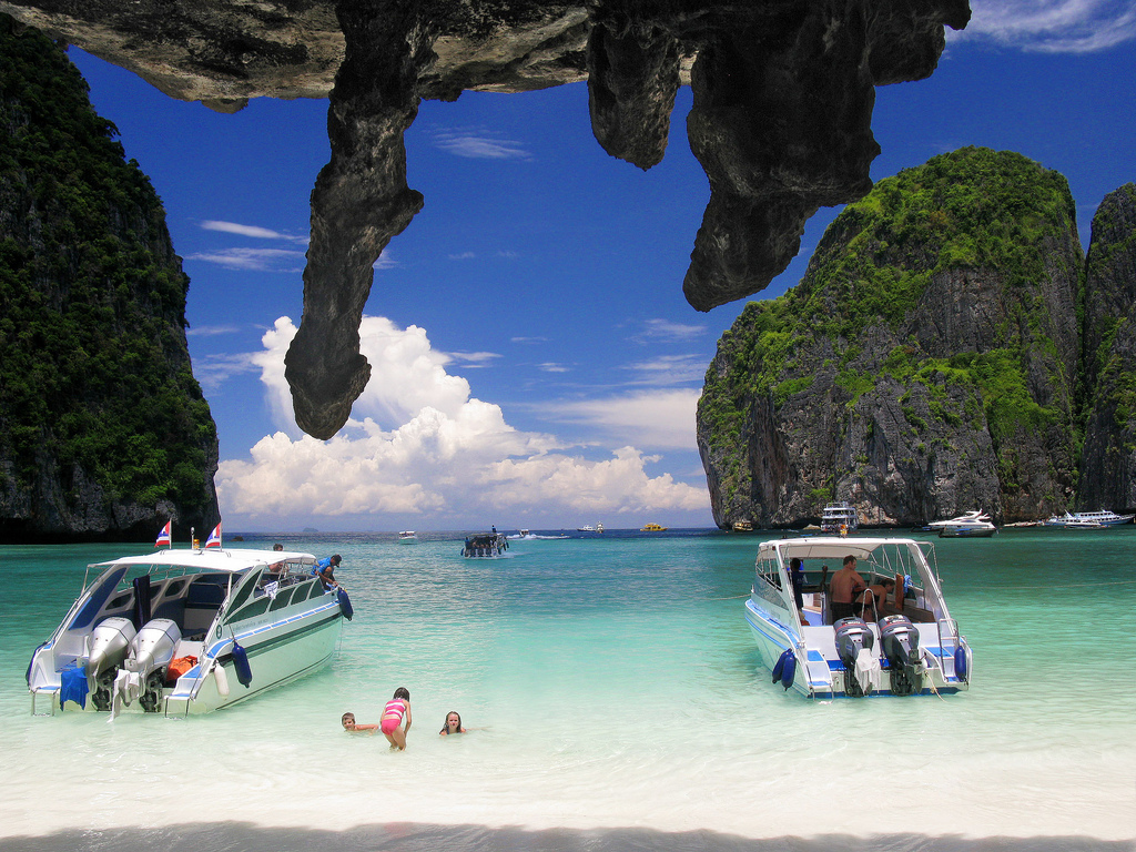Phi Phi Deluxe Plus Gold Tour by Speedboat