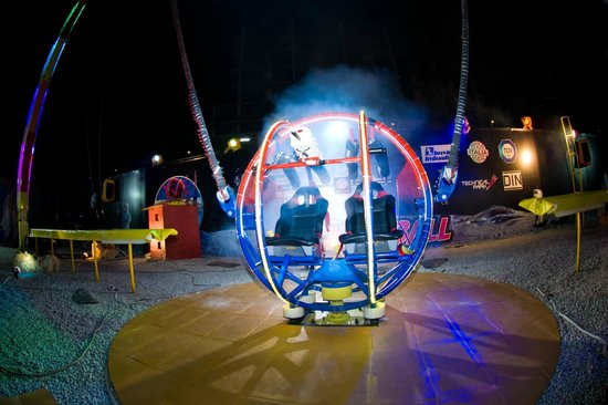 2 SKY Pattaya Rocket Ball Ride