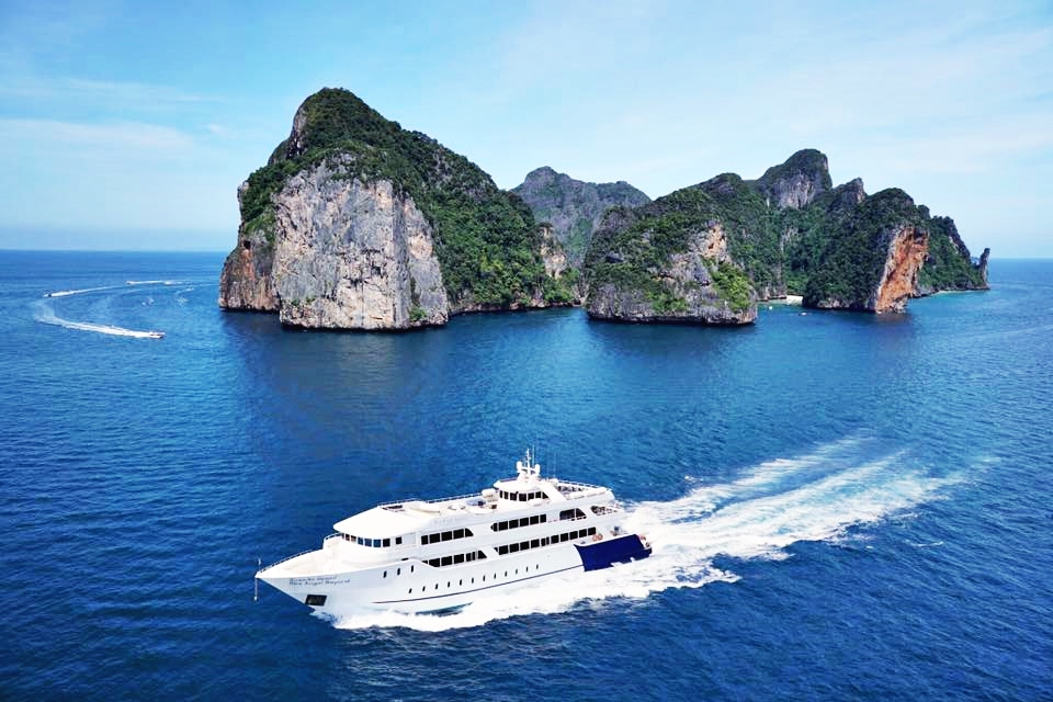 Phi Phi Island Transfers To/From Phuket by Sea Angel Cruise