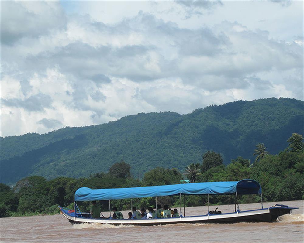 Chiang Rai One Day Tour Wat Rong Khun and Karen Long Neck