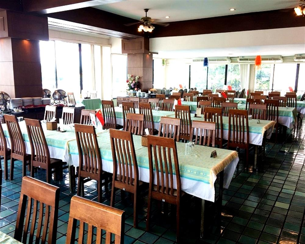 International Buffet Lunch at Wanfah Restaurant