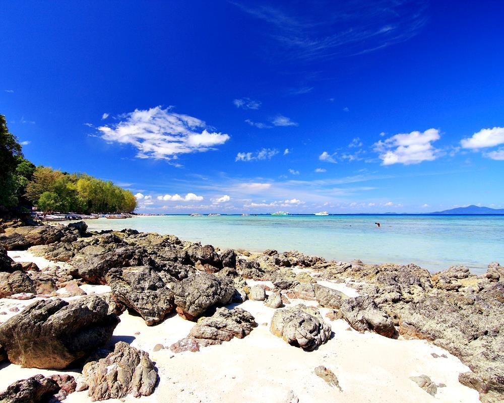 Phi Phi Island & Bamboo Island Tour from Koh Lanta