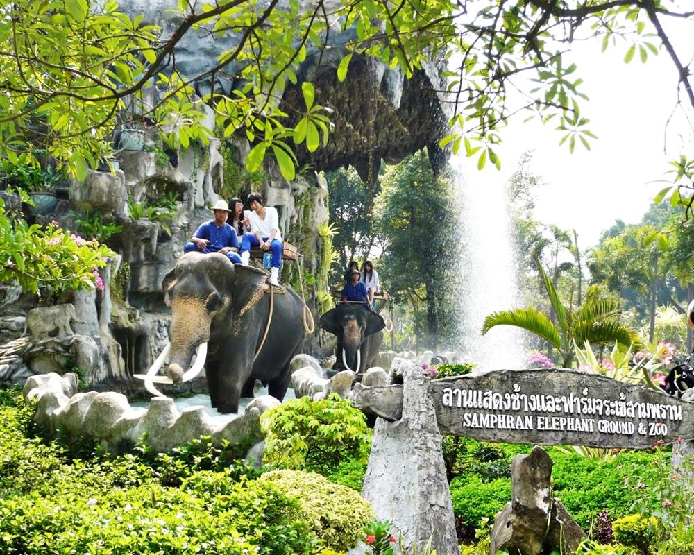 Samphran Elephant Ground and Zoo