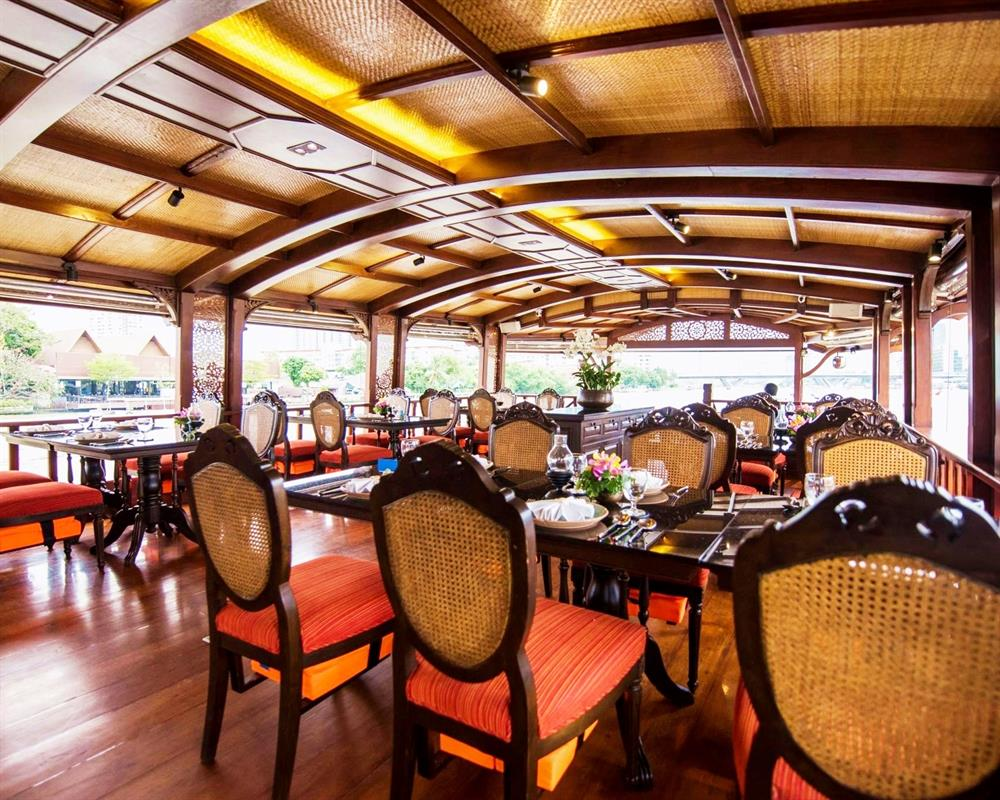 Baan Khanitha Cruise on Chao Phraya River