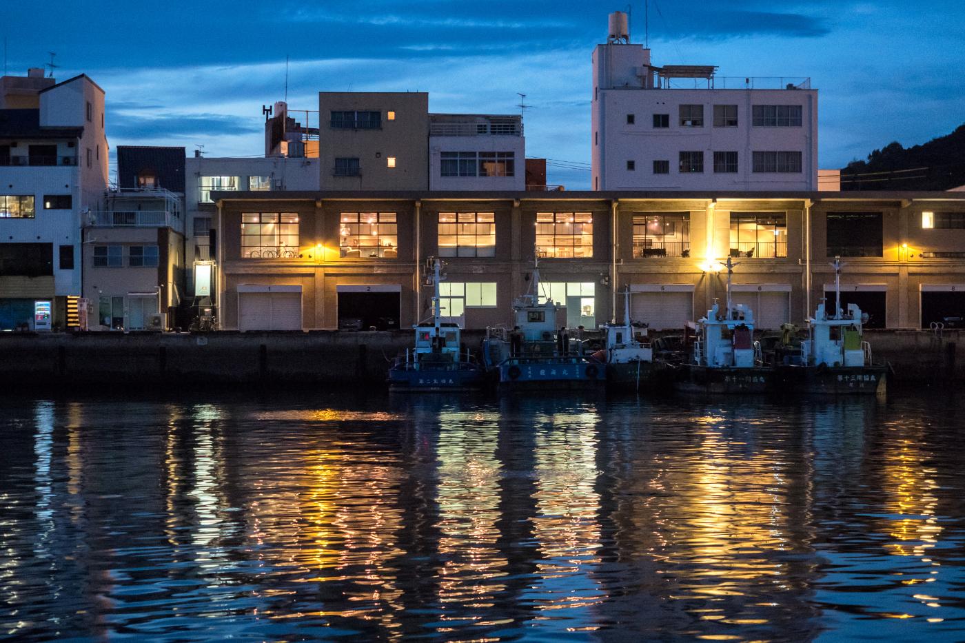 尾道水道からの眺め。会員の方は夜も利用可能。