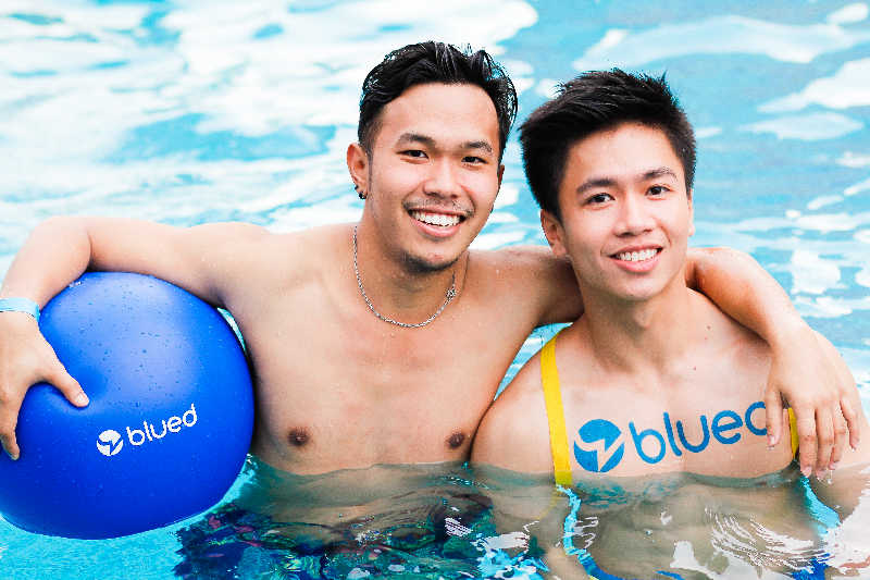 BLUED-pool-party-2