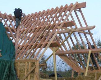 7 bonnes pratiques pour étendre une bâche de toiture