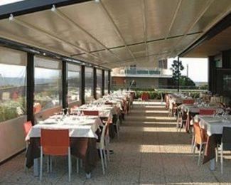 Bâche pergola pour les terrasses de restaurants