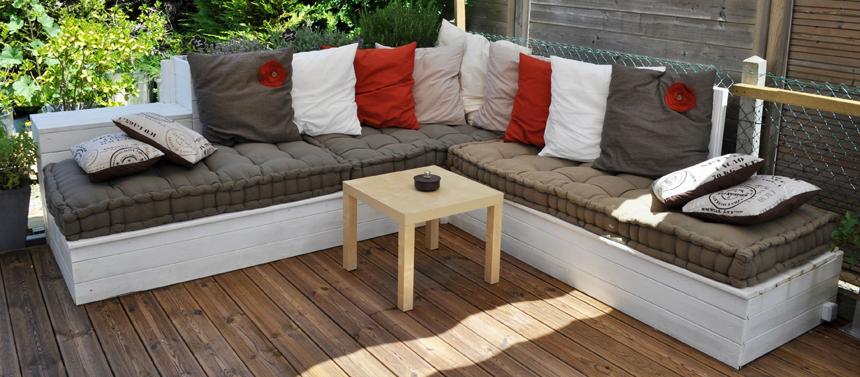 Des coussins outdoor design pour votre salon de jardin