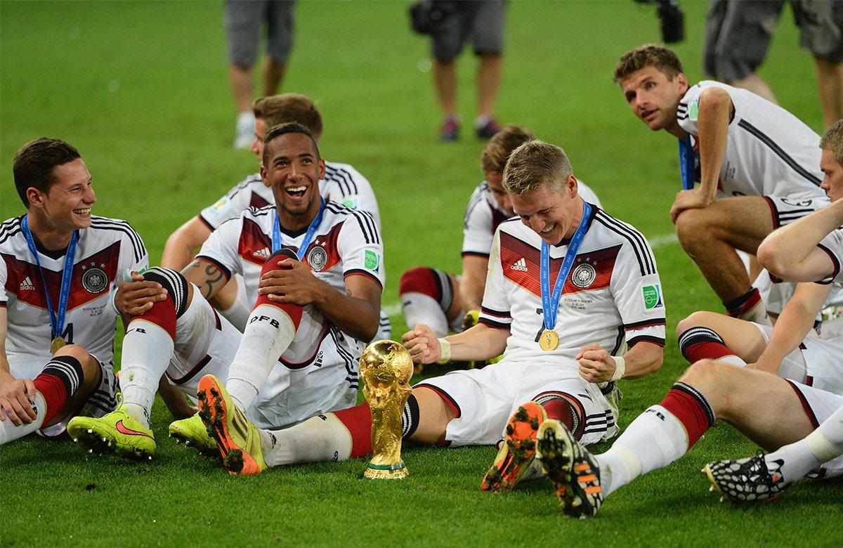бутылке изображает картинки про немецкий футбол ваши бабушки дедушки