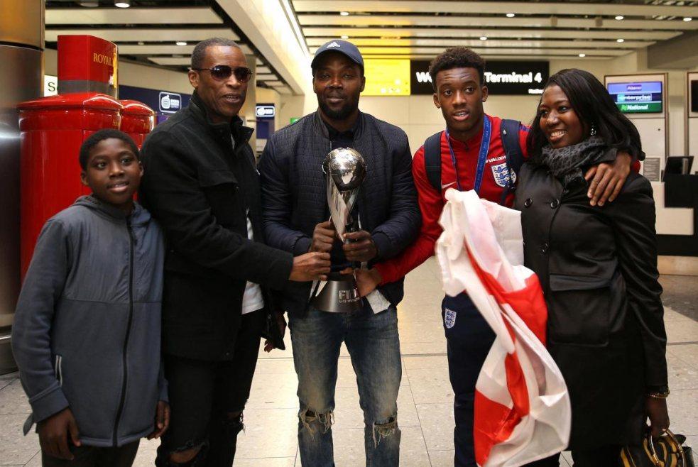 Каллум Хадсон-Одои и его семья