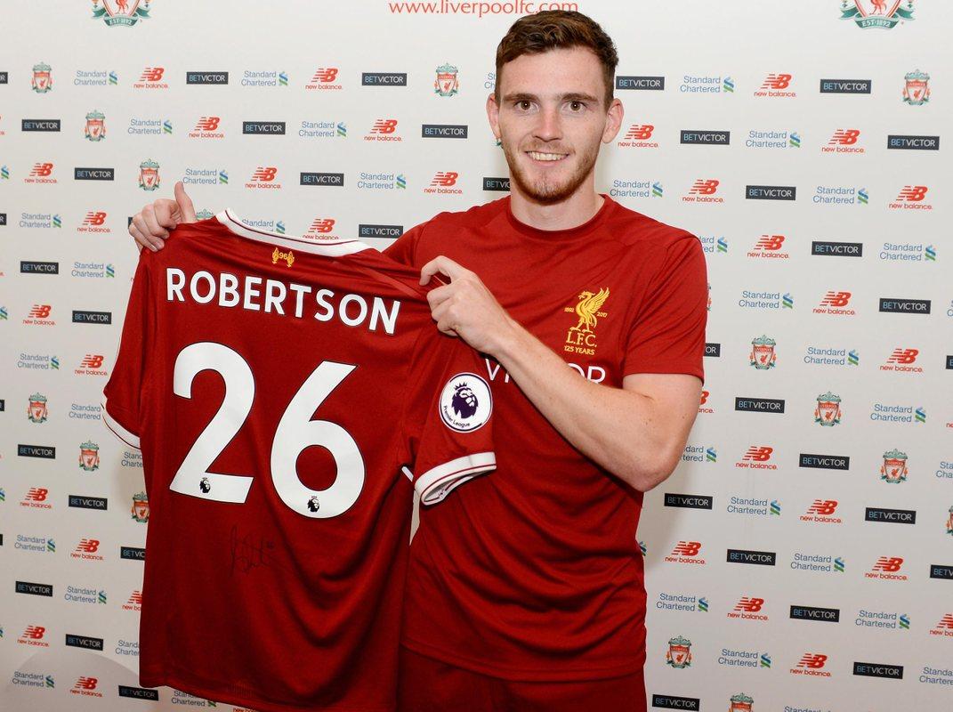 Энди Робертсон  после перехода из Халл Сити в Ливерпуль