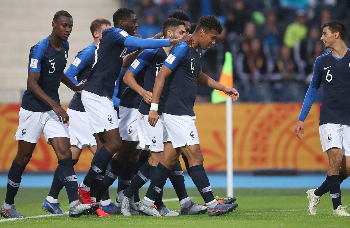 Франция U-20 спокойно прошла в плей-офф