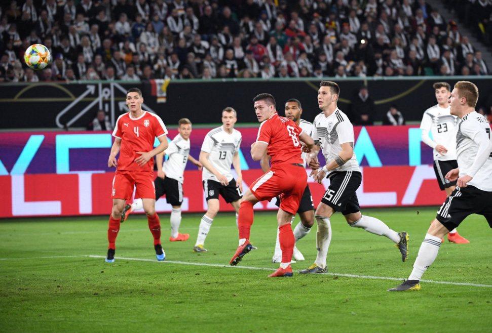 Йович забивает немцам. Он уже в Реале